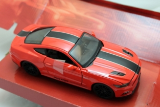 Ford Mustang GT 2015  Rood/zwart